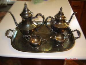 WM ROGERS SILVER-PLATED SERVING SET #2577