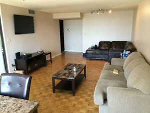 4 bed/3 bedroom FURNISHED condo downtown Toronto - Avail Sep 1