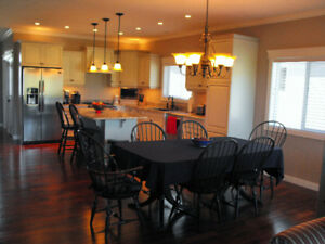 Beautiful Villa for sale in Cochrane!