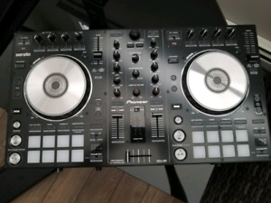 Pioneer DDJ-SR (DJ two channel controller)