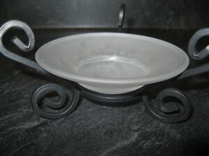 CLASSY BLACK CAST AND DUSTED GLASS CANDLE HOLDER