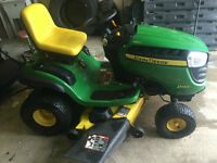 John Deere D140  Riding Lawnmower