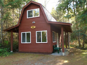Secluded Loft Style Cottage  (Qualicum Beach North)