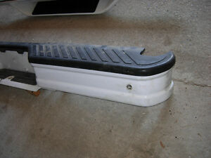 Factory Painted White Bumpers 1992 to 1996 F150 F250 F350 Cambridge Kitchener Area image 2