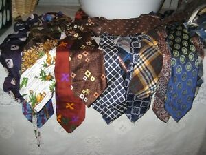 Vintage Men's TIES------1960-1980s?? (4 FOR $25.00)