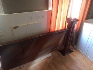 King size bedroom set  Stratford Kitchener Area image 4