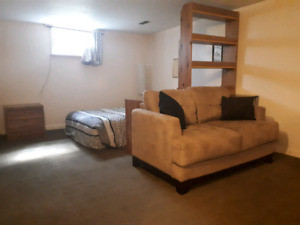 Room for rent in bellevue/highlands