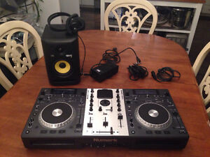 DJ set and speaker!!!!