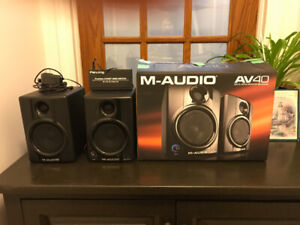 M-Audio AV40 Speakers