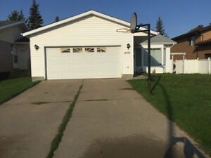 HOUSE FOR RENT IN MILLWOODS AREA