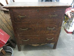 ANTIQUE SOLID WOOD PINE DRESSER FAIR CONDITION asking $75 or bes