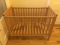 Mamas and Papas Wooden Cot Great Condition
