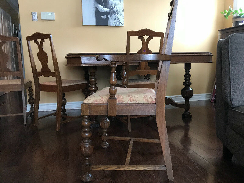 Knechtel Dining Room Table With 6 Chairs