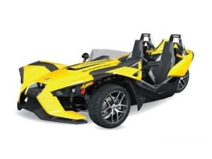 2018 Polaris SLINGSHOT SL DAYTONA YELLOW / 82$/sem