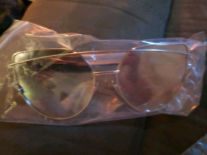 CAT EYE / HEART SHAPED SUNGLASSES BRAND NEW