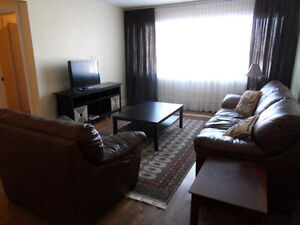 FURNISHED condo apartment - 3 bedrooms - excellent location West Island Greater Montréal image 2