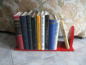 SOLID WOOD OLD VINTAGE DESK-TOP FIRE-ENGINE-RED BOOK STAND