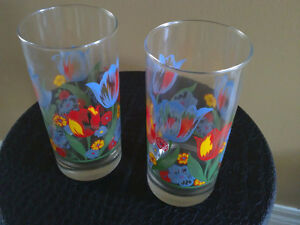 Brand new set of 4 tulip flowers printed glass drinking tumblers London Ontario image 4