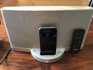 Système haut-parleurs Bose avec iPod gratuit et autres articles