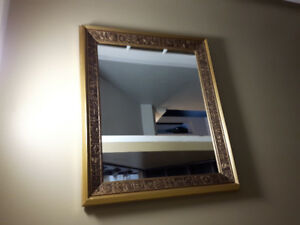 Wall mount decorative mirror