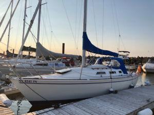 1986 Pearson 28-2 Sailboat