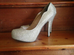 Womans Gold Stilettos only worn once.