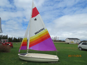 SNARK SUNCHASER 11 SAILBOAT