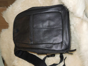 DELUXE  LEATHER  CAMERA BACKPACK