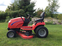 Simplicity Conquest 2452 - Lawn Tractor