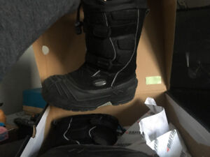 Baffin Boots Youth size 5