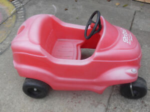 Toddlers Little Tikes Walk About Ride In Car Toy