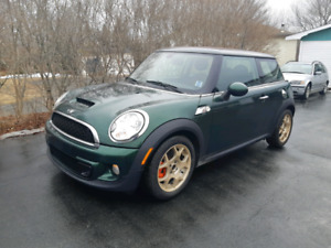 2011 MINI COOPER S 6 SPEED MANUAL