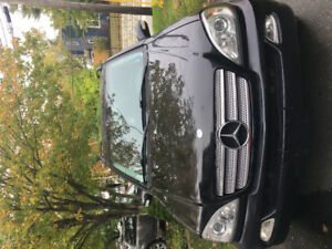 Mercedes Benz 2003 inspiration $5500, 134800 km