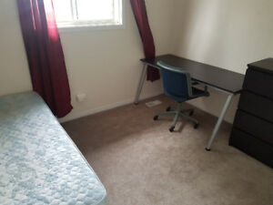 East End Room for Rent. Looking for Student/young professional