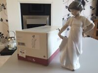 Lladro Nao girl figurine, boxed in excellent condition