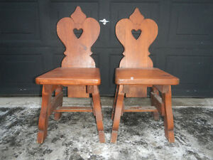 Set of pine chairs