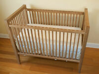 FREE Crib- looking to get rid of my childs old crib