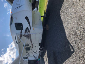 2010 fifth wheel Cougar Xlite