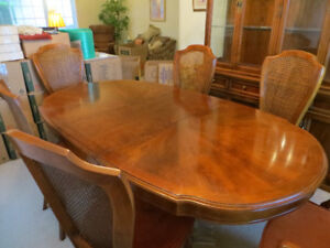 Sklar Peppler table & 6 chairs with matching china cabinet.
