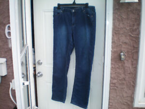 Buffalo Manchester Blue Jeans Womens   38 Waist   30 Leg  $20.00