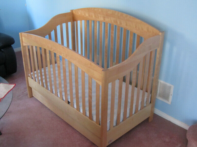 High Quality Morigeau-Lepine Crib (converts to double bed ...