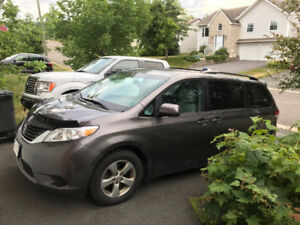 2013 Toyota Sienna LE Minivan, Van - REDUCED