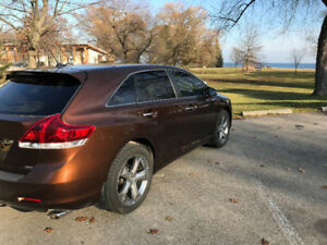 2013 Toyota Venza XLE/Limited Wagon, 1 owner very clean
