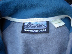 Assorted Sweaters Size L / G West Island Greater Montréal image 1