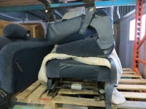 front bucket seats; consol; rear seat