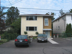 Top floor apt with parking - Pinecrest - Oct 15
