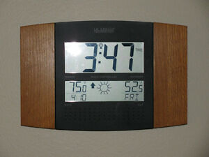 Atomic clock with indoor & outdoor Weather forecast