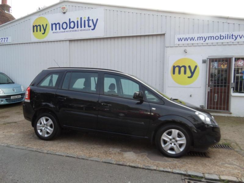 Vauxhall Zafira Constables Exclusiv Wheelchair Scooter Accessible Car WAV