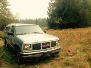 1992 GMC Sierra 1500 Pickup Truck with canopy