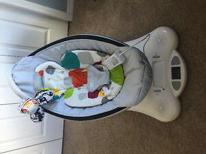 Mamaroo with insert